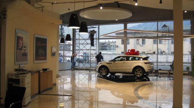 Реконструкция автосалона группы компаний «РОЛЬФ»
