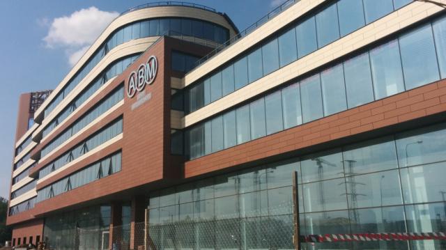 Строительство торгово-офисного центра