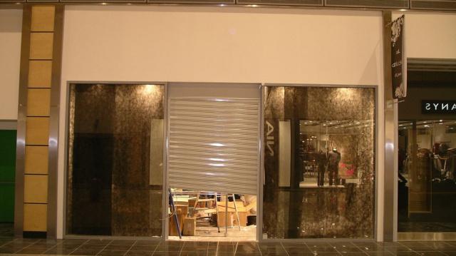Leather shops «Segue» in Shopping mall «Mega-Dybenko» and «Mega-Parnas»