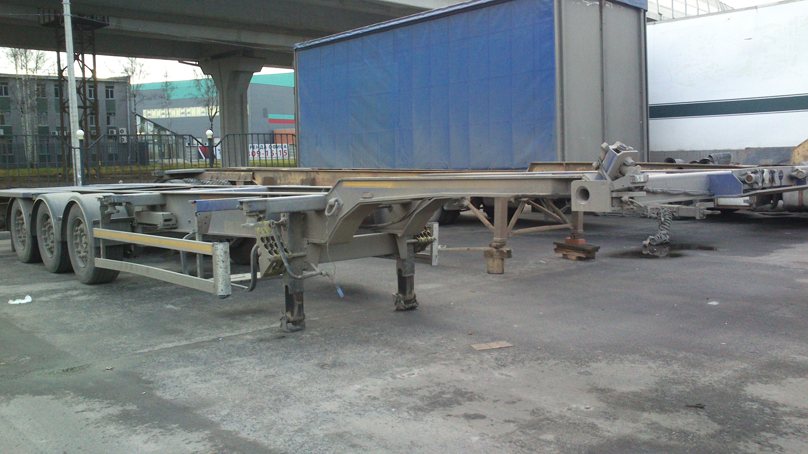 Rent of Semi-trailer container vehicle